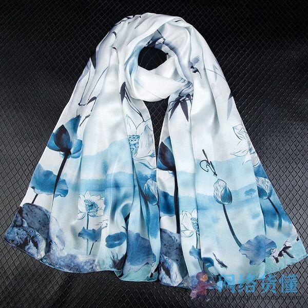 夏天适合女生戴的丝巾